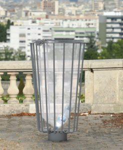 Poubelle gris clair transparent